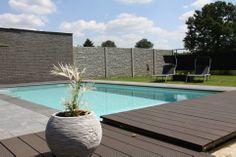 Wil je ook relaxen na een drukke werkweek in een luxe wellness met een sauna, infraroodstralers, een glaasje bubbels in de jacuzzi of een plons in het verwarmde zwembad met een uniek uitzicht op het groen?  Dan ben je bij ons aan het juiste adres!  Reserveer nu bij Sauna Sensations op Relaxy.be: http://www.relaxy.be/prive-sauna/lummen/342-sauna-sensations/ #relaxybe #sauna #wellness #privesauna