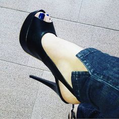 Repost from @deborha_89 😍#tacchietacchi #tacchi #tacchialti #heels #shoes #instaheels #fashion #shoelovers #stillettos #shoeobsessed #instashoes #highheels #tacchiaspillo #tacones