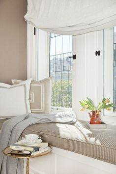 Window Seat - traditional - bedroom - san francisco - by Faiella Design Style At Home, Cozy Nook, Cozy Corner, Traditional Bedroom, Living Room Grey, Home And Deco, My New Room, Small Spaces, Living Spaces