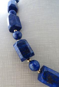 Lapis Lazuli Jewelry, Gemstone Jewelry, Beaded Necklaces, Beaded Jewelry, Stone Necklace, Bracelets For Men, Jewelry Ideas, Chokers, Jewelry Making