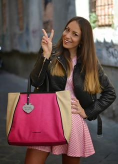 fucsia maxi bag - gingham pink white dress - ootd -outfit - fashion blogger - girly