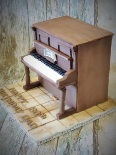 My very first upright piano cake for a dear man turning 80 today. I have made 2 grand pianos but this I really loved doing