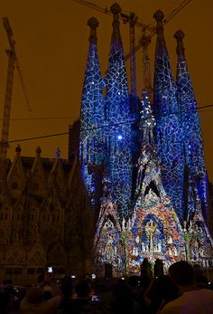 Sagrada Familia + Ode a la Vie = Gaudí al Cuadrado / Sagrada Familia + Ode To The Life = Gaudí To The Square Barcelona  Catalonia