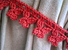 DIY Schmetterling-Häkelborte mit Häkelschrift (hier als Raffhalter an Gardine) - - - - - These butterfly trim crochet curtain ties are a great stash buster project. Check out the pattern by Mr Micawber's Recipe for Happiness. Crochet Motifs, Crochet Borders, Crochet Flower Patterns, Crochet Flowers, Crochet Stitches, Leaf Patterns, Curtain Patterns, Crochet Squares, Cross Stitches