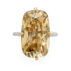 Cushion shaped diamond ring of 10.17 carats
