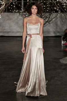 Jenny Packham ~ Spring/Summer 2014wow this is stunning❤️