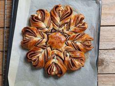 Nutellakranz http://www.fuersie.de/kitchen-girls/rezepte/blog-post/rezept-fuer-schoko-stern