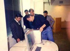 Photo of Steve Jobs personally fixing a Saudi Arabian prince's computer. Prince Waleed.