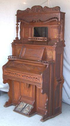 <3 Antique Pump Organ ~ so similar to my  Grandmother Anna Thrash's organ <3