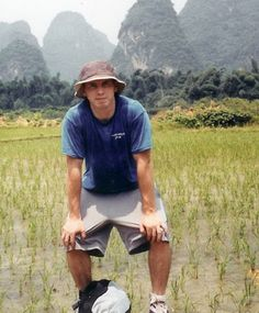 Twelve years ago, David Sneddon disappeared during a hiking trip in China's Yunnan province. He was a 24-year-old Brigham Young University student at the time. But Chinese police and the U.S. Embassy failed to find him, much to his parents' grief. According to Fox News, China resorted to believe that he fell to his death …