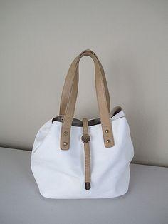 Charming Charlie Purse Shoulder Bag Leather White Removable Clutch #CharmingCharlie #ClutchShoulderBag