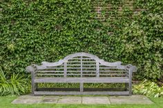The Enduring English Style of Architect Edwin Lutyens Lutyens Bench, Edwin Lutyens, Garden Images, Bench Plans, Outdoor Living, Outdoor Decor, English Style, Arts And Crafts Movement, Sitting Area