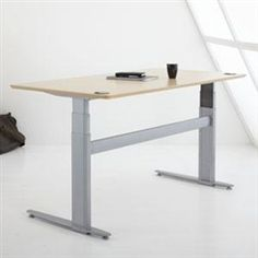 Jarvis sitstand desk has 300lb lifting capacity memory presets