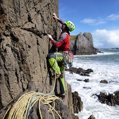 Tom Rogers setting out on pristine unclimbed rock, on the onsite first ascent of Moon Walker at The recently developed Disco Buttress, South #Pembrokeshire . #climbing_pictures_of_instagram #climbing #RockClimbing #TradClimbing #SeaCliffClimbing #Sea #SeaCliffs #adventure #realadventure #sport #exciting #fear #fun #friends #healthy #fitness #wales #yearofadventure @ami_professionals @rab.equipment @guardiantravelsnaps