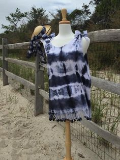 Tie Dye Beach Cover Up - Make a beachy and breezy tie dye project for the summer.