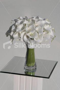 Modern White Bridal Bouquet w/ Calla Lilies, Pearls & Crystals Modern White Bridal Bouquet w/ Calla Lilies, Pearls & Crystals [Lilith - Bride (3)] - £169.99 : Silk Blooms UK