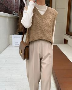 Korean Outfits, Mode Outfits, Retro Outfits, Cute Casual Outfits, Vintage Outfits, Korean Girl Fashion, Korean Street Fashion, Winter Fashion Outfits, Look Fashion