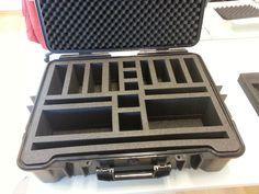 Ein individueller Schaumstoffeinsatz mit passendem Outdoorkoffer, der mit unserem bwh-Koffer-Schaumstoff-Konfigurator erstellt worden ist.