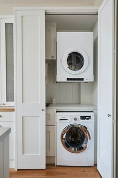 Known as a 'European laundry,' tucking away a washing machine inside a kitchen cupboard isn't exactly a new idea but it's a trend with legs in Australia. Hidden Laundry Rooms, Laundry In Kitchen, Laundry Cupboard, Laundry Doors, Laundry Room Organization, Laundry In Bathroom, Kitchen Cupboard, Laundry Storage, Organization Ideas