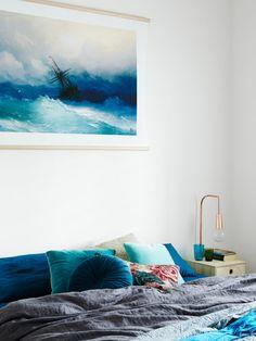 BLUE BEDROOM – Peter