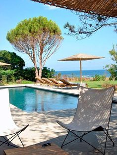 Property, Outdoor furniture, Furniture, Table, Real estate, Swimming pool, Sunlounger, Vacation, Chair, Leisure,