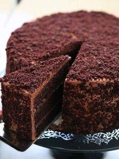 Фото к рецепту: Шоколадный торт Пеле