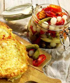 Vinná klobása s křenovou bramborovou kaší a pěnou z pečeného česneku   Recepty na Prima Fresh Chipotle, Chorizo, Dairy, Cheese, Food, Essen, Meals, Yemek, Eten