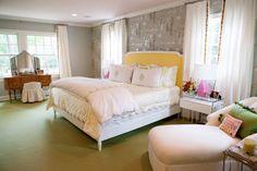 red and blue living room ideas, green door, mint walls, vintage, gold fixtures, black and cream bathroom, blue velvet couch, wallpaper, aquatic bathroom, aqua tiles, scalloped bedding, gold disco ball