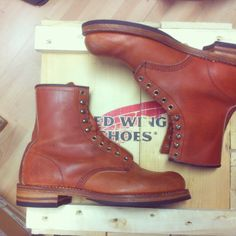 Red Wing's Japanese style #2940 with a Mitch triple sole with 2-tone leatherstacked heel.  That is a good-looking boot.