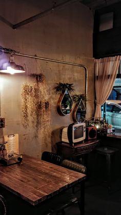 인더스트리얼 빈티지에 조화소품 스타일링으로 감성을 더하다 .합성동모티 「더착한인테리어」 : 네이버 블로그 Minimalism, Industrial, Display, Interior, Environment, Asian, Shop, Floor Space, Billboard