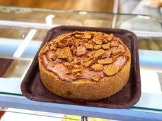 Biscoff pie  #cake #cakes #sponge #spongecake #thecakeshop #cakeshop #thecakeshoppembroke #pembroke #pembrokeshire #Pembs #buttercream #buttericing #icing #pastry #pastrychef #welsh #wales #British #pie #chocolate #chocolateheaven #biscoff #biscoffpie #biscoffheaven #pieoclock Butter Icing, Biscoff, Chocolate Heaven, Pie Cake, Cake Shop, Sponge Cake, Welsh, Muffin, British