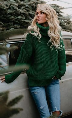 Love this shade of green. Sweater or scarf!