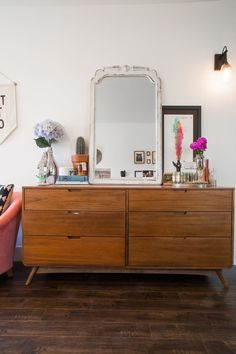 Jaclyn's Cozy Kitschy Silver Lake Home