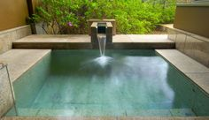 A simple outdoor bath made with beautiful natural stones. No need to worry about snow or rain; the bath is built underneath an awning. This luxurious bath time will let you feel the changing of the seasons with your own skin as you gaze out at the garden.