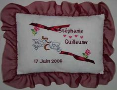 www.broderie.photos wp-content uploads 2015 01 broderie-grille-broderie-coussin-mariage-17.jpg
