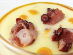 Crema de patata al pimentón con pulpo Seafood Recipes, Soup Recipes, Dessert Recipes, Cooking Recipes, Cake Recipes, Desserts, Minis, Spanish Dishes, Small Meals