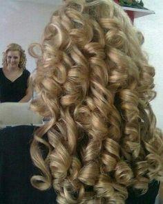 Big Curls For Long Hair, Very Long Hair, Big Hair, Blonde Curly Hair, Blonde Curls, Beautiful Long Hair, Gorgeous Hair, Amazing Hair, Simply Beautiful
