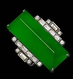 Art Deco jadeite and diamond ring. Art Deco Diamond, Art Deco Ring, Art Deco Jewelry, Jewelry Design, Diamond Brooch, Antique Jewelry, Vintage Jewelry, Vintage Hats, Bijoux Art Nouveau