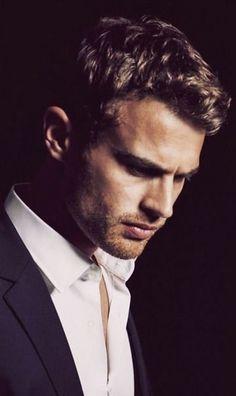 Theo James, Good Looking Actors, Celebs, Celebrities, Man Crush, Cute Guys, Celebrity Crush, Sexy Men, Eye Candy
