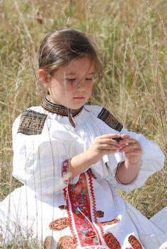 Moravské Lieskové village, Považie region, Western Slovakia. Baroque Fashion, Ethnic Fashion, Roman Artifacts, Heart Of Europe, Folk Embroidery, Beautiful Costumes, We Are The World, The Shining, Bratislava