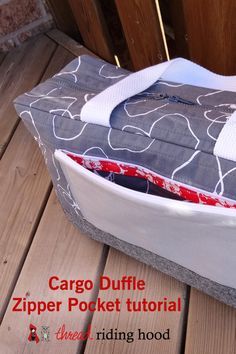 Thread Riding Hood - Cargo Duffle Zipper Pocket Tutorial