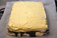 Prajitura cu nuca de cocos si crema de vanilie — Alina's Cuisine Pasta Recipes, Dessert Recipes, Cooking Recipes, Romanian Desserts, Something Sweet, Coco, Deserts, Pie, Sweets