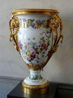 Chateau de Compiegne (oise) porcelaine de Sèvres