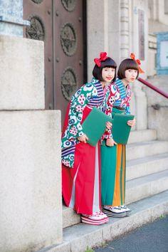 You will not resist the beauty of this girl Tap Photo! Yukata Kimono, Kimono Outfit, Kimono Fashion, Japanese Costume, Japanese Kimono, Japanese Girl, Japanese Outfits, Japanese Fashion, Asian Fashion