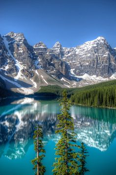 Moraine Lake, Banff National Park, Alberta, Canada by D-Niev, via Flickr