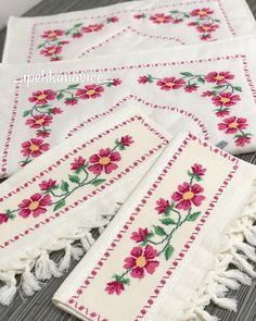 1 million+ Stunning Free Images to Use Anywhere Cross Stitch Borders, Cross Stitch Designs, Cross Stitch Patterns, Free To Use Images, Love Crochet, Bohemian Rug, Diy And Crafts, Alphabet, Embroidery