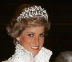 Tod's sponsorizza un libro fotografico su Lady Diana e le dedica la nuova D-Bag