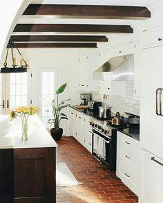 Flooring/kitchen