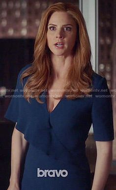 Donna's blue overlay dress on Suits Donna Harvey, Donna Suits, Suits Tv Series, Suit Fashion, Fashion Outfits, Donna Paulsen, Sarah Rafferty, Mob Dresses, Dress Shapes