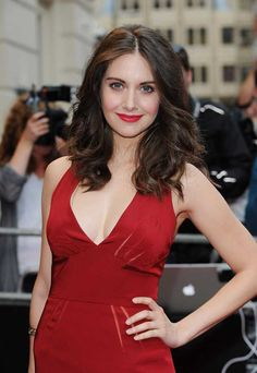 The 40 Sexiest Photos Of Alison Brie [Save Community Gallery] Alison Brie, Beautiful Celebrities, Gorgeous Women, Prettiest Actresses, Beautiful Actresses, Chloe Grace Moretz, Hollywood Actresses, Pretty People, Celebrity Style